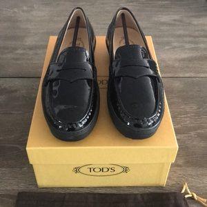 "TOD'S ""Vibram"" Blk Patent Loafer - BRAND NEW"